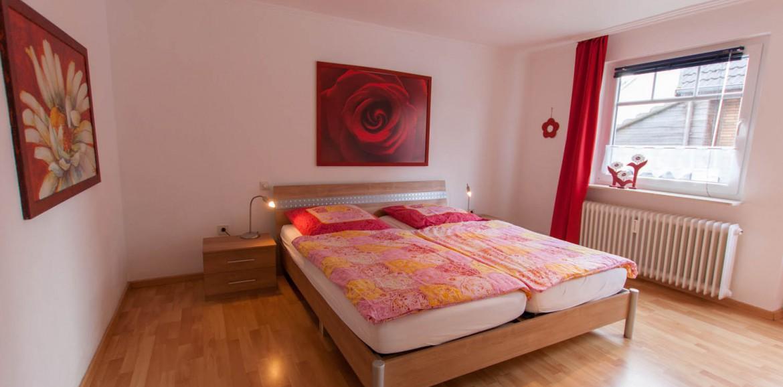 gem tliche schlafzimmer ferienwohnungen brinkmann carolinensiel. Black Bedroom Furniture Sets. Home Design Ideas